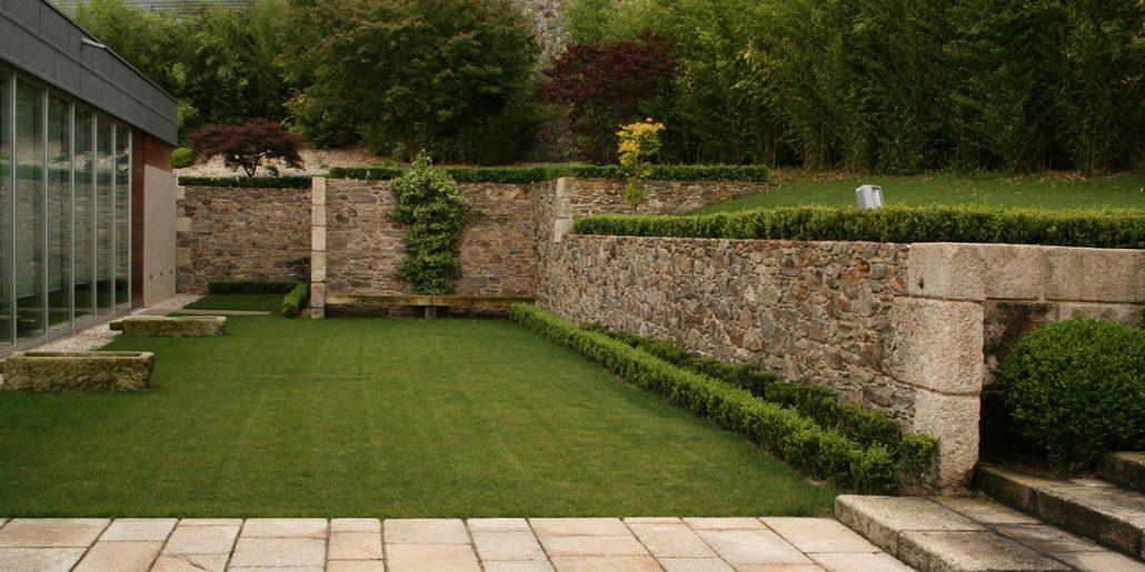 Dise o ejecuci n y mantenimiento de jardines privados - Jardines de casas particulares ...