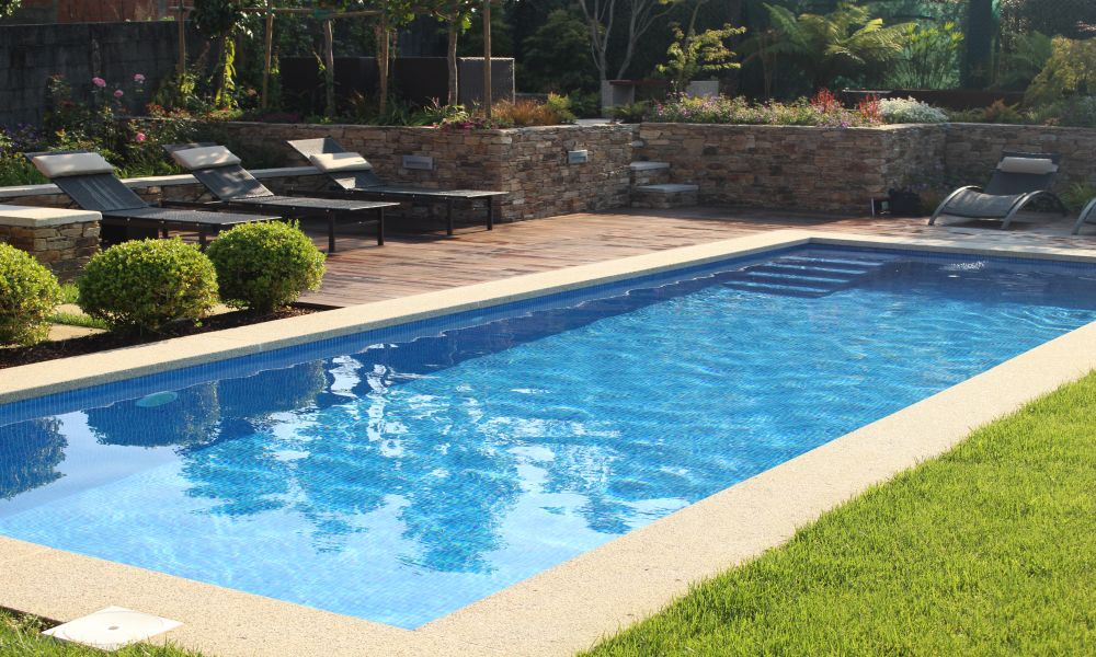 Dise o y ejecuci n de piscinas y estanques por xard n for Diseno de piscinas con toboganes